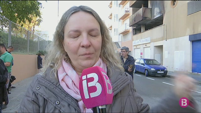 Un+incendi+crema+3+cotxes+i+dues+motos+en+un+aparcament+a+Eivissa