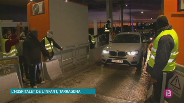 Els+CDR+aixequen+les+barreres+de+peatge+de+diversos+trams+de+les+autopistes+de+Catalunya