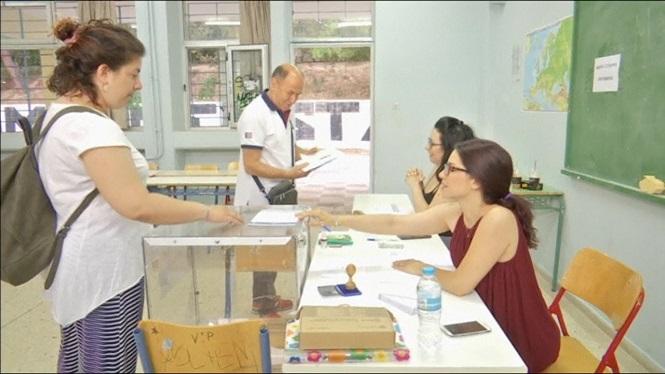 9+milions+de+grecs%2C+cridats+a+les+urnes