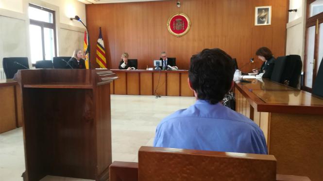 Ordre+de+crida+i+cerca+a+un+acusat+per+violaci%C3%B3+que+no+ha+acudit+al+judici