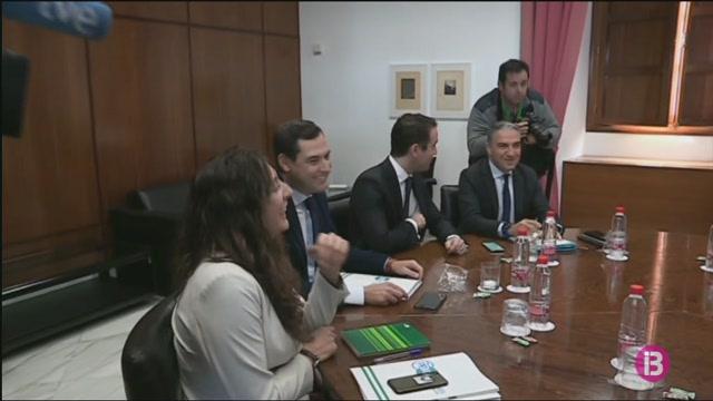 PP+i+Ciutadans+negocien+amb+VOX%2C+que+podria+entrar+la+mesa+del+Parlament+andal%C3%BAs