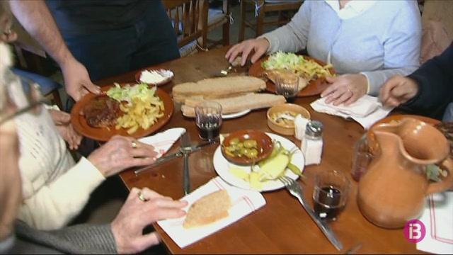 Els+restaurants+fan+ple+el+primer+dia+de+l%27any