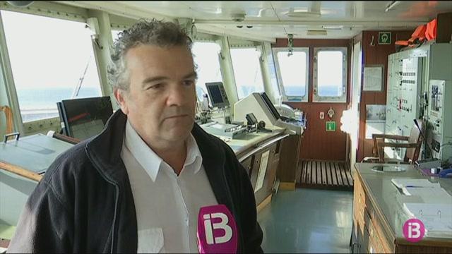 El+vaixell+Nura+Nova+atraca+per+darrera+vegada+a+Ciutadella