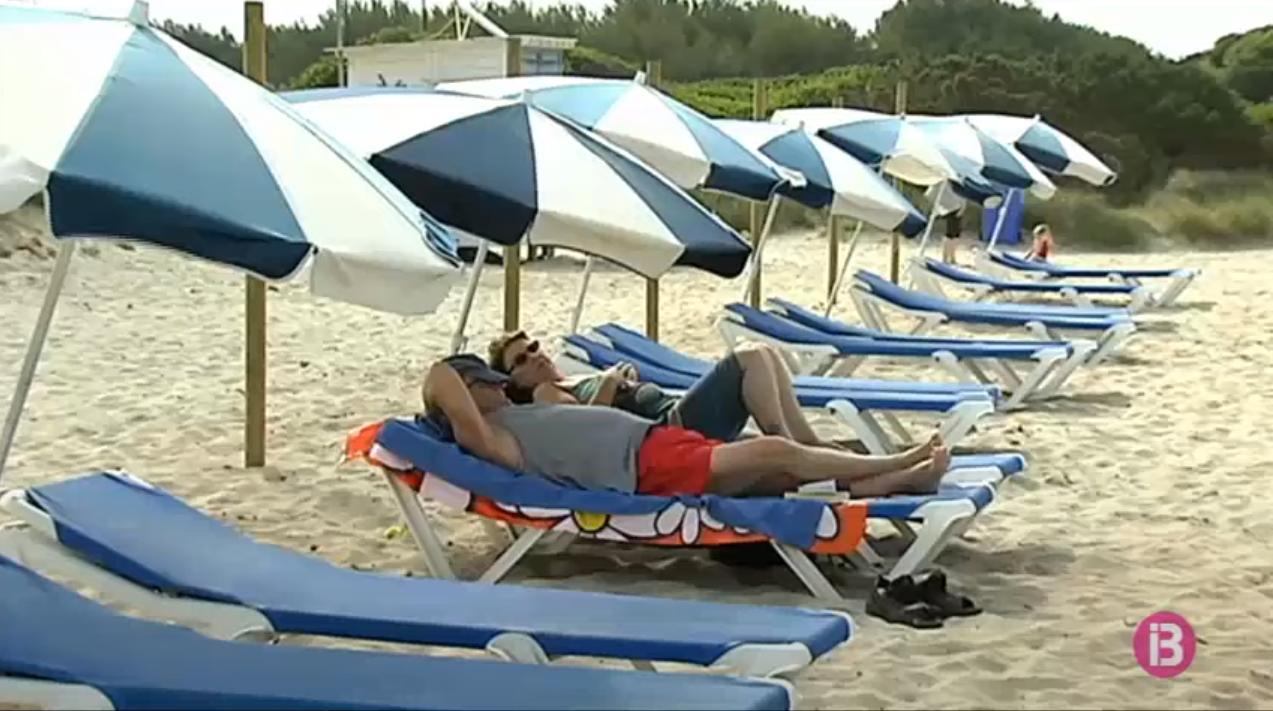 Els+concessionaris+de+platges+de+Menorca+demanen+als+ajuntaments+que+els+c%C3%A0nons+s%27adaptin+a+la+durada+real+de+la+temporada