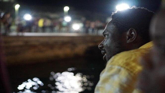 Els+83+refugiats+de+l%27Open+Arms+ja+s%C3%B3n+a+Lampedusa