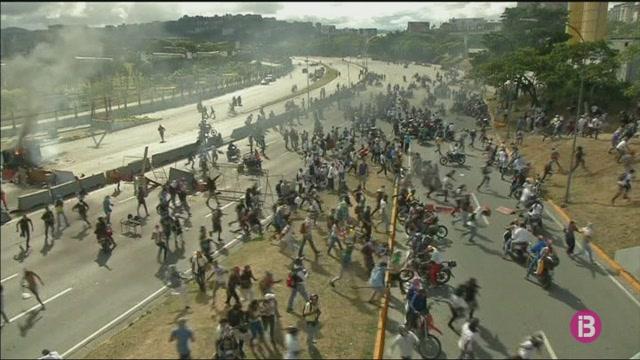 El+Govern+central+i+la+Uni%C3%B3+Europea+demanen+l%27alliberament+dels+periodistes+detenguts+a+Caracas