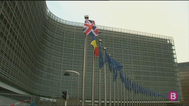 May+i+Juncker+es+reuneixen+per+desbloquejar+la+situaci%C3%B3+del+Brexit