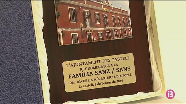 Es+Castell+ret+homenatge+als+ve%C3%AFnats+amb+el+llinatge+Sans+i+Sanz