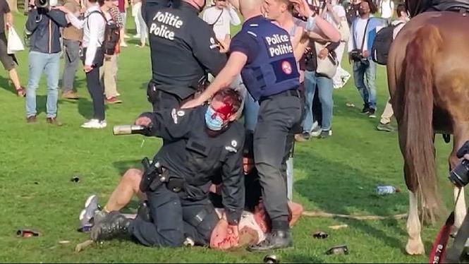 20+detinguts+i+30+ferits+en+desallotjar+una+festa+il%C2%B7legal+a+Brussel%C2%B7les