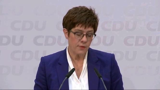 Kramp-Karrenbauer+renuncia+a+succeir+Merkel+com+a+cancellera+d%27Alemanya