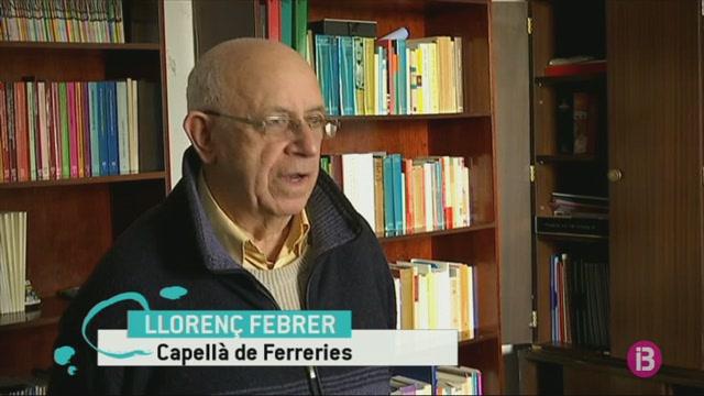 Tot+Ferreries+ajuda+a+pujar+material+per+reparar+la+capella+de+dalt+s%27Ermita