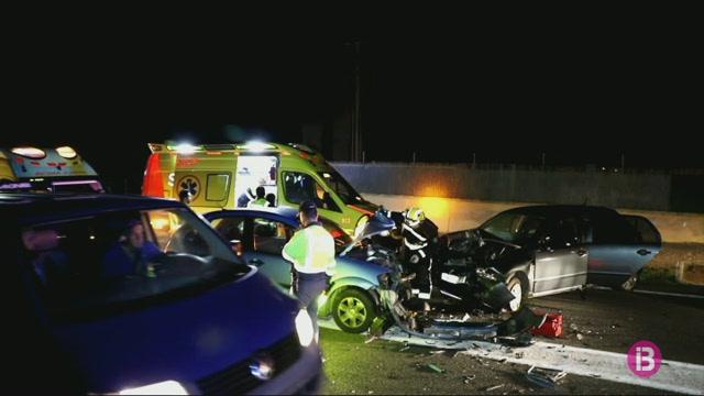 Tres+persones+ferides+dissabte+en+un+xoc+frontal+en+la+carretera+del+Cap+Blanc