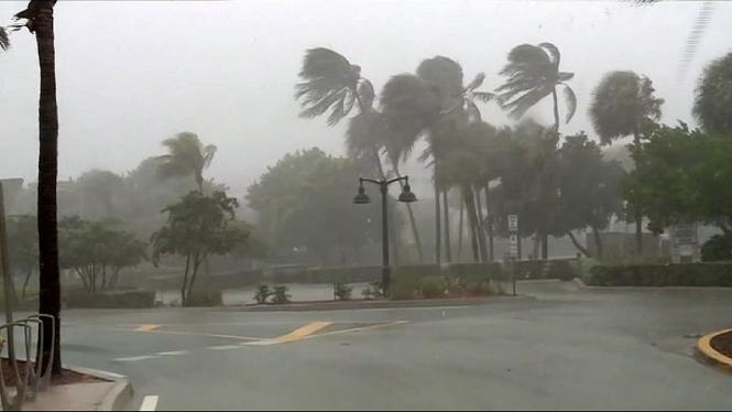 Declaren+l%26apos%3Bemerg%C3%A8ncia+a+Florida+per+la+tempesta+tropical+Isa%C3%ADes