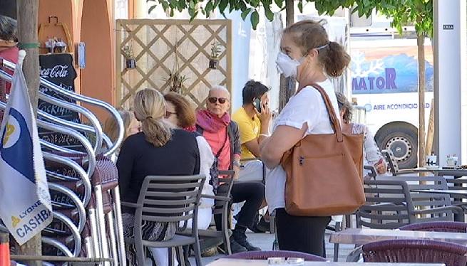 Dos+expedients+oberts+a+locals+de+Santa+Eul%C3%A0ria