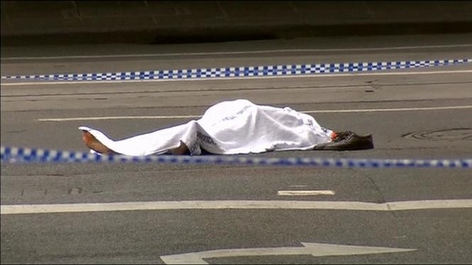 Un+mort+i+dos+ferits+en+un+apunyalament+massiu+a+Melbourne