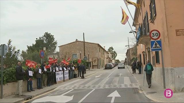 Els+policies+locals+de+Marratx%C3%AD+es+mobilitzen+per+demanar+millores