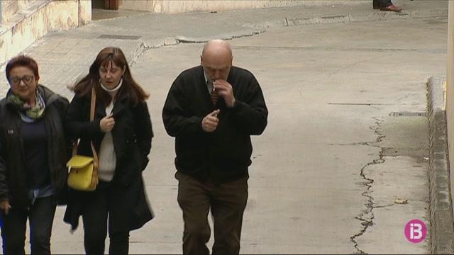 Florit+i+Carrau+declararan+per+haver+requisat+els+m%C3%B2bils+als+periodistes