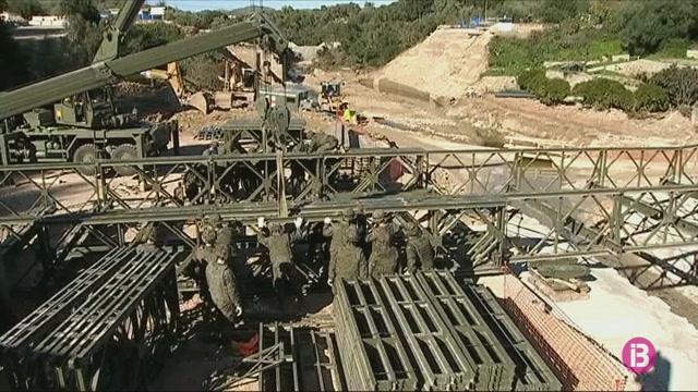 Aquest+dimecres+comencen+a+desmuntar+el+pont+militar+provisional+d%27Art%C3%A0