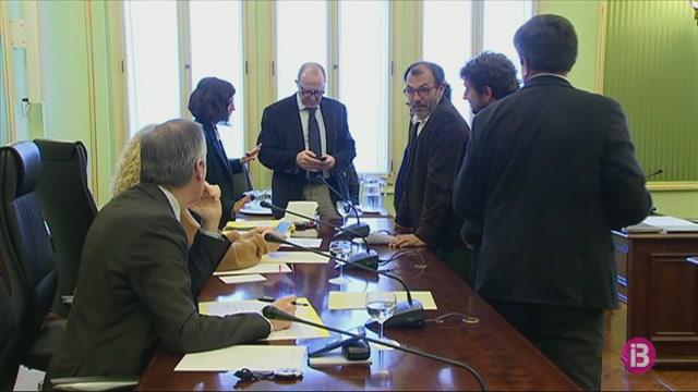 Menorca+vol+assegurar+els+16+milions+d%27euros+del+Govern+per+pagar+sent%C3%A8ncies+urban%C3%ADstiques