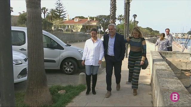 Juana+Mari+Pons+i+Joan+Benejam+acompanyaran+Antoni+Juaneda+en+la+candidatura+del+PP+a+Ciutadella