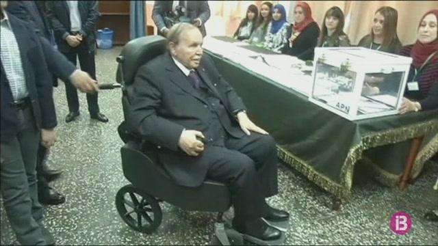 Bouteflika+deixar%C3%A0+el+c%C3%A0rrec+de+president+d%27Alg%C3%A8ria+abans+del+28+d%27abril