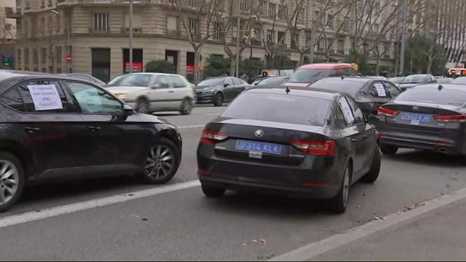 Uber+i+Cabify+marxen+de+Barcelona+pel+decret+dels+VTC