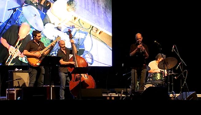 El+trompetista+Chris+Kase+posa+el+punt+i+final+l%27Eivissa+Jazz+Festival