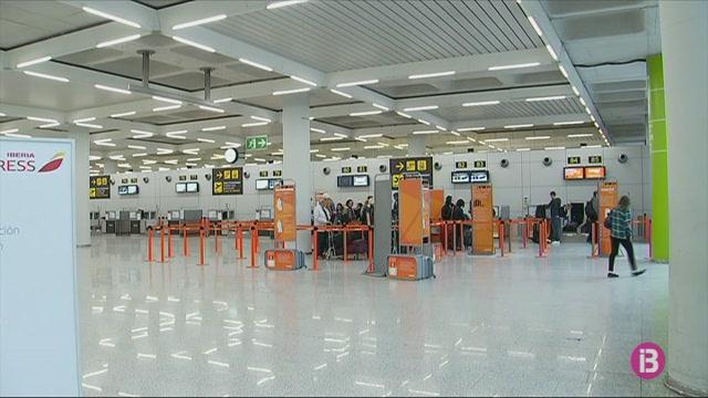 L%27aeroport+de+Palma+%C3%A9s+l%27%C3%BAnic+on+s%27ha+incrementat+el+nombre+de+passatgers+el+mar%C3%A7