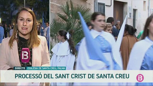 24+confraries+de+Palma+participen+a+la+process%C3%B3+del+Sant+Crist+de+la+Santa+Creu