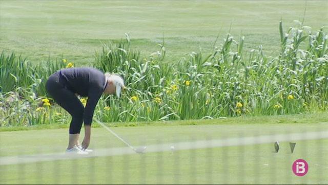 Multen+tres+camps+de+golf+per+regar+amb+aigua+bona+de+pou