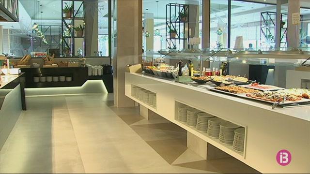 RIU+inaugura+el+seu+quart+hotel+de+4+estrelles+a+Platja+de+Palma