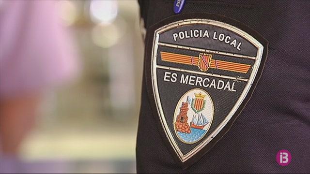 La+Policia+Local+des+Mercadal+i+funcionaris+municipals+amenacen+de+fer+vaga