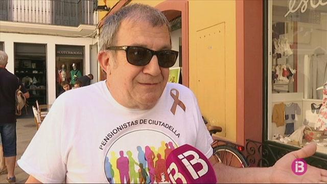 Els+pensionistes+de+Ciutadella+aprofiten+la+campanya+electoral+per+tornar+a+reclamar+pensions+dignes
