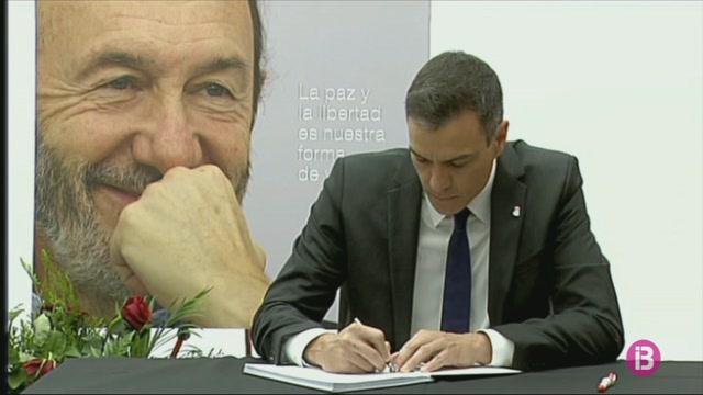 S%C3%A1nchez+signa+el+llibre+de+condol%C3%A8ncies+del+PSOE+per+Rubalcaba
