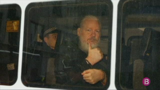 La+Fiscalia+sueca+sol%C2%B7licita+la+detenci%C3%B3+de+Julian+Assange+per+violaci%C3%B3