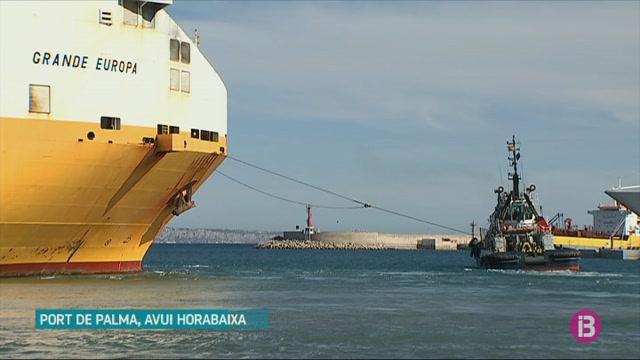 El Grande Europa parteix del port de Palma