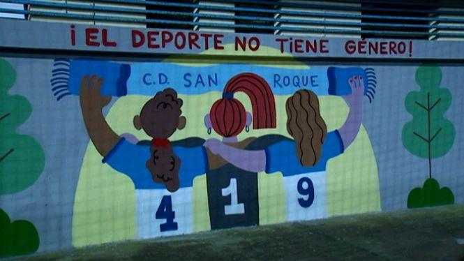 El+futbol+femen%C3%AD+de+Son+Roca+visibilitza+la+xacra+de+la+viol%C3%A8ncia+de+g%C3%A8nere+en+un+mural