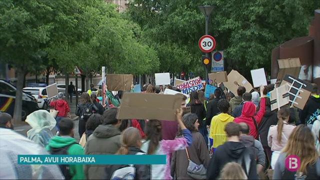 Els+joves+es+manifesten+a+Palma+contra+el+canvi+clim%C3%A0tic