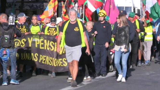 Pensionistes%2C+al+Congr%C3%A9s+en+defensa+de+les+pensions+p%C3%BAbliques