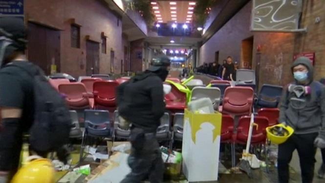 Mor+un+home+a+Hong+Kong%2C+ferit+durant+les+protestes