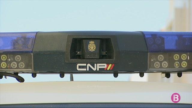 La+presidenta+de+Menorca+nega+davant+el+jutge+haver+manat+5+cotxes+de+Policia+a+notificar+l%27expropiaci%C3%B3+a+Lloren%C3%A7+Casasnovas