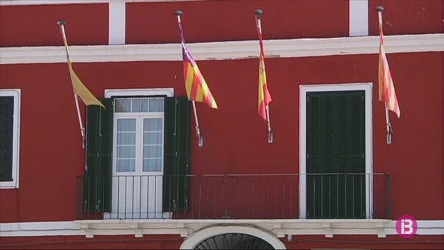 PSOE+i+ARA+Ma%C3%B3+tanquen+el+pacte+i+els+socialistes+es+queden+amb+la+batlia