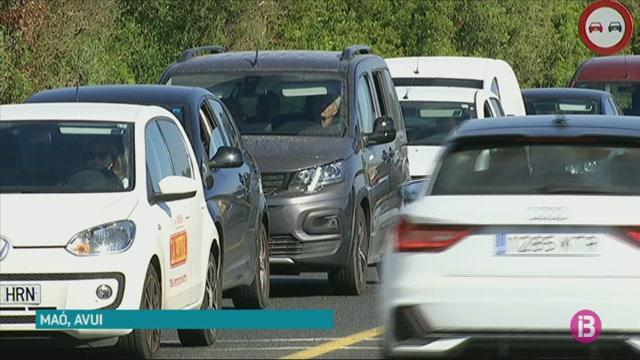 Un+accident+sense+ferits+provoca+retencions+a+la+carretera+general+de+Menorca
