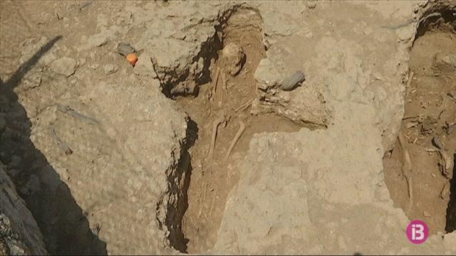 Les+excavacions+de+Son+Peret%C3%B3+culminen+amb+la+troballa+inesperada+d%27enterraments+d%27infants