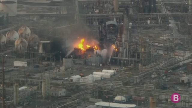 Incendi+a+una+refineria+de+Filad%C3%A8lfia