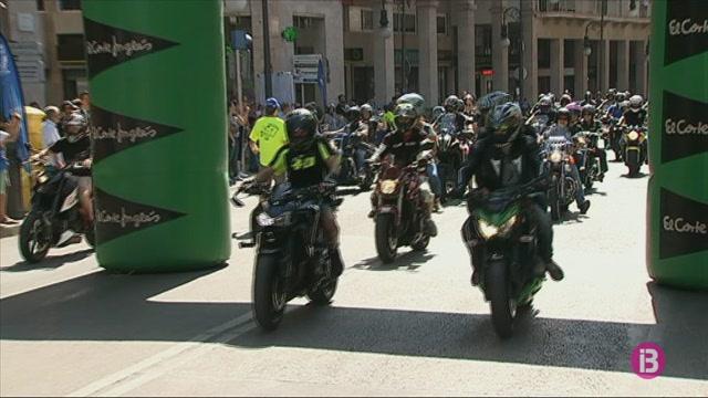 3.000+motoristes+es+concentren+a+Palma