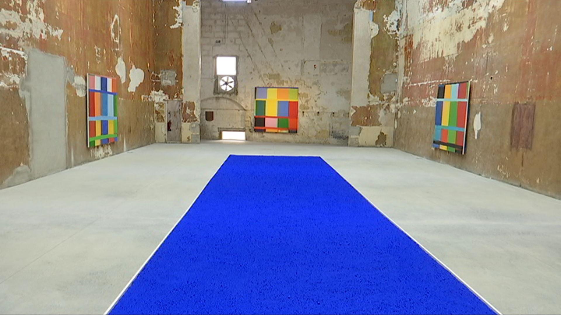 L%27aut%C3%A8ntic+blau+d%27Yves+Klein+llueix+a+la+galeria+Cay%C3%B3n+de+Ma%C3%B3