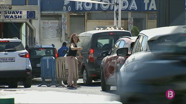 Coes+a+Vila+per+rentar+els+cotxes+enfangats
