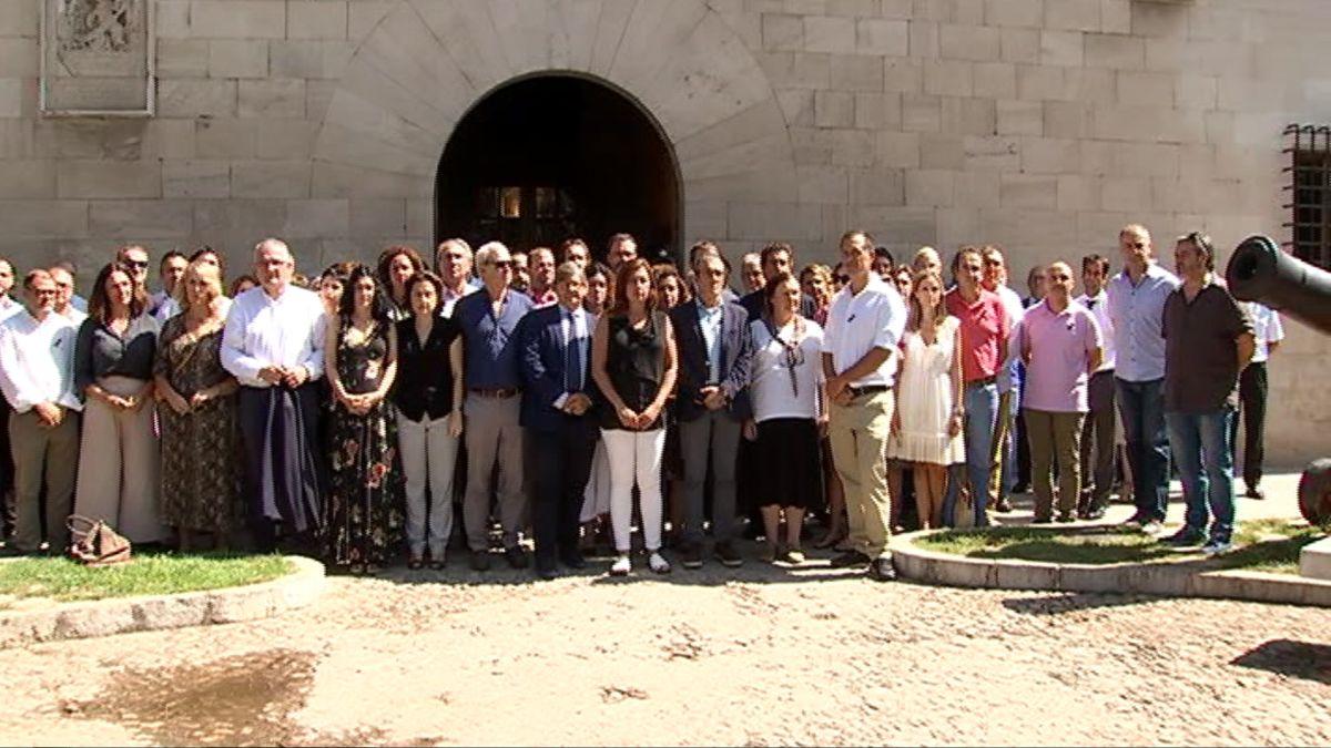 Minuts+de+silenci+a+Mallorca+i+a+Eivissa+per+les+v%C3%ADctimes+de+l%27accident+aeri+a+Inca
