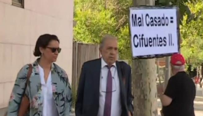 Els+imputats+pel+cas+del+m%C3%A0ster+de+Pablo+Casado+declaren+al+jutjat